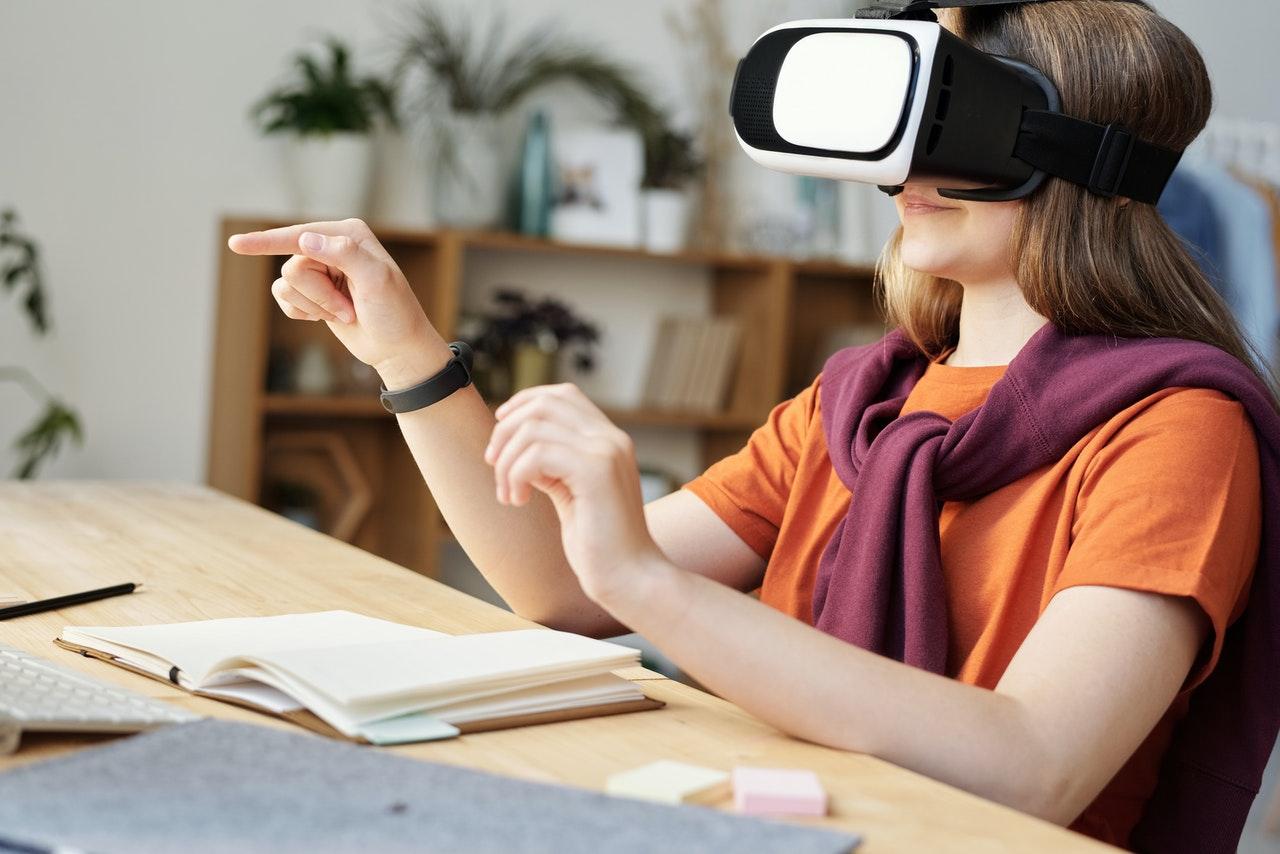 Möglichkeiten zur Anwendung von Virtual Reality (VR) in der Bildung